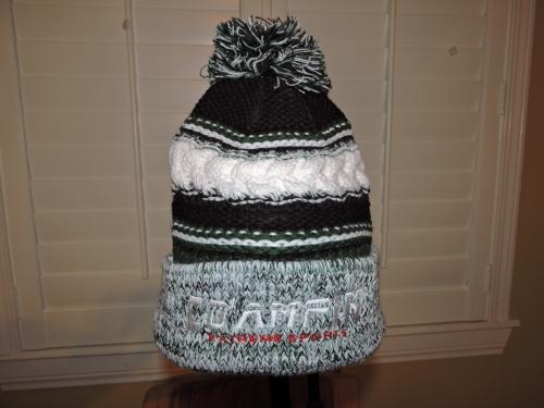 beanie blk grn wht knit pom 2